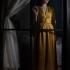 Fenetre-robe-jaune
